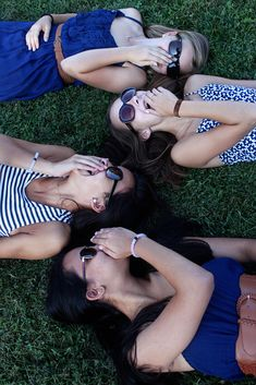 Best Friends Photoshoot Ideas for Teens