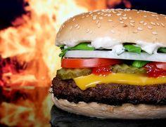 Gift im Fastfood! Wer viele Burger isst, hat mehr Weichmacher im Körper. Lesen Sie diesen aktuellen Beitrag im Seniorenblog:  http://der-seniorenblog.de/senioren-news-2senioren-nachrichten/ . Bild: CC0