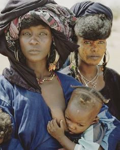 Wodaabe women and babe, in Niger, Africa