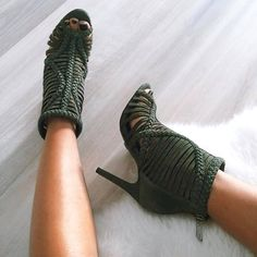 My Beautiful Shoes By Dary👠 Heeled Boots, Bootie Boots, Shoe Boots, Ankle Bootie, Zapatos Shoes, Shoes Heels, Pumps, Crazy Shoes, Me Too Shoes