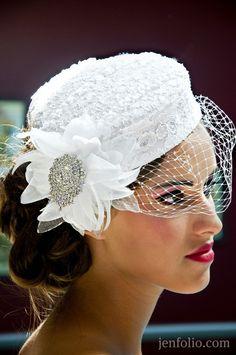 www.jenfolio.com Cappello Femminile Tondo E Piatto Con Retina, Cappelli Da  Fascinator 57d4b019e9