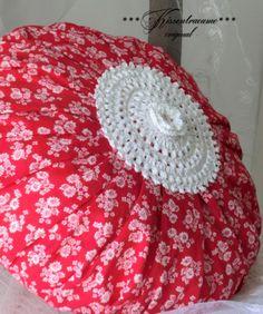 Kissenbezüge - Rundes Kissen, Vintage Rosenstoff - ein Designerstück von kissentraeume-original bei DaWanda