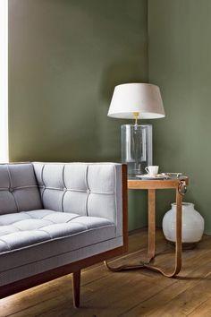 """<p style=""""text-align: left;"""">Boa est un vert de gris intemporel et chic qui rappelle l'élégance anglaise. Idéal pour instaurer une atmosphère chaleureuse et sobre, ce ton..."""