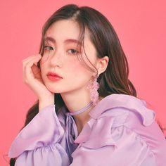 Girl Hiding Face, Comic Tutorial, Park Min Young, Ulzzang Korean Girl, Anime Princess, Header, Asian Beauty, Korean Fashion, Asian Girl