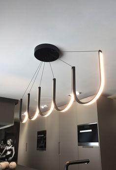 Curving LED chandelier