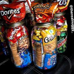 Neu Bilder junk food snacks Konzepte , , ideas for 13 year olds Sleepover Snacks, Night Snacks, Slumber Parties, Party Snacks, Creamed Onions, Food Porn, Junk Food Snacks, Food Goals, Food Cravings