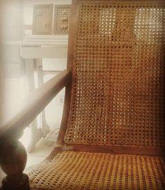 Arte em Palha - Empalhamentos  #arteempalha #armchair #chair #cadeira #handmade #makeover #atwork #photo #photooftheday #decor #decoration #decoração #interior #interiors #home #casa #vintage #vintagestyle #art #artwork #awesome #gallery