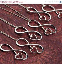 Wedding Sale Infinity Pendant w/giftbox  por TheJewelryGirlsPlace, $24.76