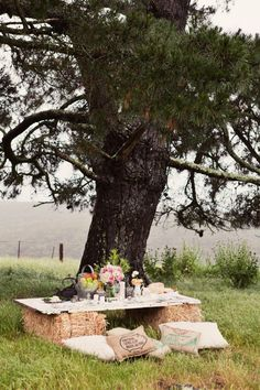 hay bales + old table = perfect picnic