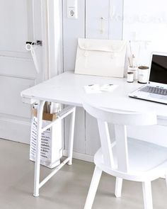 White home office (101 woonideeen on Facebook)