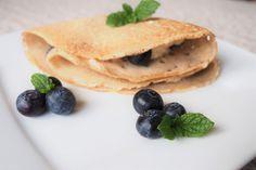 naleśniki gryczane z twarożkiem, borówkami i miętą Pancakes, Supper Ideas, Breakfast, Ethnic Recipes, Food, Morning Coffee, Essen, Pancake, Meals