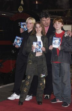 """""""Harry Potter and the Philosopher's Stone"""" DVD Launch - 004 - I Heart Watson Magie Harry Potter, Objet Harry Potter, Estilo Harry Potter, Mundo Harry Potter, Harry Potter Draco Malfoy, Harry Potter Tumblr, Harry Potter Anime, Harry Potter Jokes, Harry Potter Pictures"""