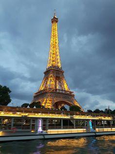 Floodlit Eiffel Tower from the River Seine. Photo: WendyJames ● August 2016
