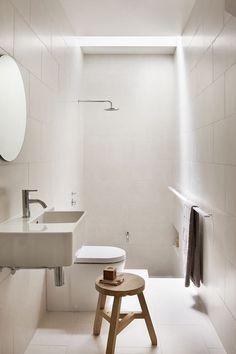 Salle de bain en longueur. (Elwood Residence - Picture gallery)
