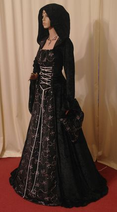 medieval dress renaissance dress vampire hooded by camelotcostumes