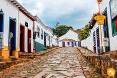 Tiradentes em Minas Gerais - Ruas coloridas e charmosas.