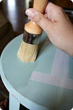 Painting with chalk paint and sealing with annie sloan soft wax