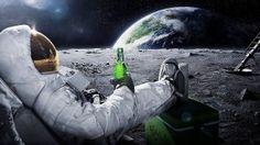 Выпивка на Луне - скачать обои на рабочий стол