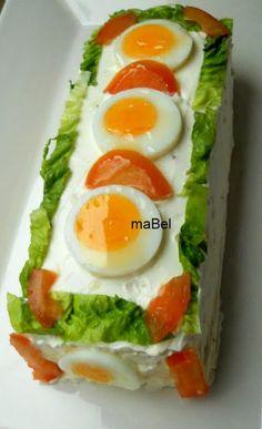 Tarta salada tipo el Corte Ingles con pionono de arroz (apto) ~ Pasteles de colores