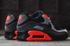 NIKE AIR MAX 90 (ASH/TOTAL CRIMSON)