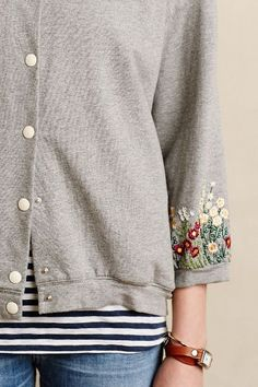 Button-down sweatshirt with sleeve , cuff embroidery