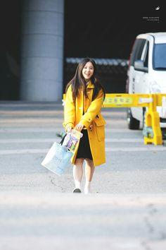 like a little cutie angel 🐰 Korean Girlfriend, Olivia Hye, First Girl, My Princess, These Girls, Korean Girl Groups, Girl Crushes, Kpop Girls, Ulzzang