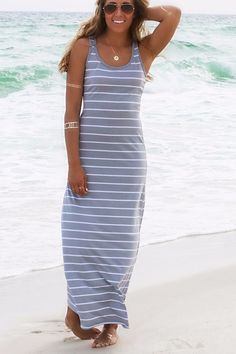 You can wear this dress to the beach that you will be looked so elegant that draw others' attention.This dress is made of cotton that you can feel comfortable out of imagination.Striped design can mak
