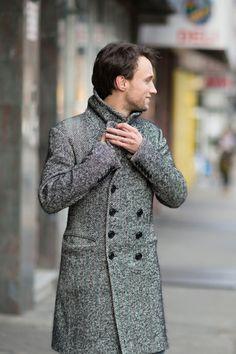 Street Style: A Well-Accessorized Jewelry Designer, Zara coat