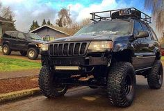 Good morning gorgeous! www.jeepbeef.com @phaugen21 ________________ 1999 #wj 9 inch long arm lift and locked! 1994 #Zj 4 inch lift #jeepbeef #jeep