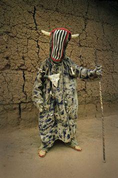 masquerade costume of the Yoruba in West Africa. Portraits by Leonce Raphael Agbodjélou Arte Tribal, Tribal Art, Print Image, Tribal Costume, Contemporary African Art, Yoruba, Art Africain, Pop Design, African Masks