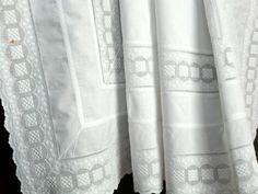 *** Weiße Vintage Tischdecke, Mitteldecke !*** von White Roses auf DaWanda.com