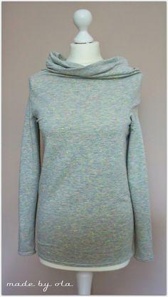 made by ola: Dziwny wykrój, prosta bluzka