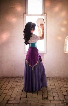 Custom Princess Esmeralda Cosplay Costume,Esmeralda Dress For Women - Gypsy - Halloween costumes Costume Esmeralda, Esmeralda Halloween, Esmeralda Disney, Amazing Cosplay, Best Cosplay, Cosplay Diy, Cosplay Dress, Cosplay Makeup, Cosplay Outfits