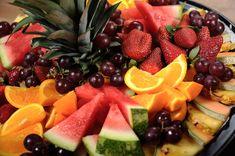 Plateau de fruits frais coupés - Bertrand le traiteur : Bertrand ...