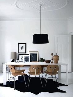 Black, White, and Wood! 15 Inspiring Designs