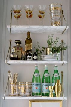 Bar Cart Ideas - There are some cool bar cart ideas which can be used to create a bar cart that suits your space. Having a bar cart offers lots of benefits. This bar cart can be used to turn your empty living room corner into the life of the party. Diy Bar Cart, Gold Bar Cart, Bar Cart Styling, Bandeja Bar, Petits Bars, Bar Shelves, Open Shelving, Glass Shelves, Wall Bar Shelf