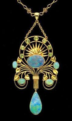 Art Nouveau - Pendentif Or, Opale et Péridots - William Thomas Pavitt - 1905