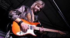 Morto Alberto Fortuni chitarrista della cover band veneta di Vasco - Il Gazzettino
