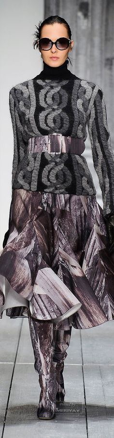 Laura Biagiotti.Fall 2015. Embroidery, Crochet, Lace... Keka❤❤❤.