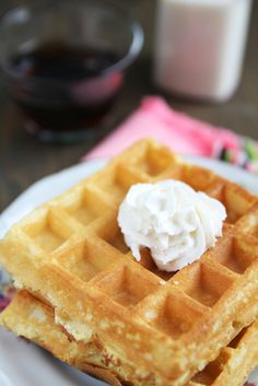 6 InGreDient - Homemade Waffle Recipe - just tried this one this AM & it totally RoCkeD! PrettY E-z ! Actually used powdered milk too & the kids & hubbs didn't even notice! Good whoLe FooD recipe! Fun Easy Recipes, Whole Food Recipes, Breakfast Bake, Breakfast Recipes, Recipe Without Milk, Waffle Iron Recipes, Delicious Desserts, Yummy Food, Homemade Waffles