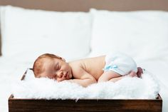 Newborn photography is very difficult to get right, but having go-to poses like these helps ensure success. Get great baby photos with these ideas!