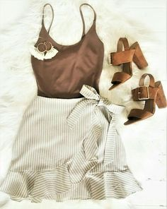casual dressy outfits for winter Cute Summer Outfits, Cute Casual Outfits, Stylish Outfits, Spring Outfits, Casual Dressy, Casual Clothes, Summer Shorts, Simple Outfits, Short Outfits