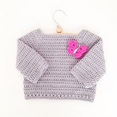 Download this free and easy to make Toddler Long Sleeve Sweater pattern and you will have a cute sweater in no time. It is a great beginners pattern but also fun to make when you are an experienced crocheter. To make this sweater you need 3 balls of MillaMia Aran yarn and a crochet hook size 4mm. Once finished, you have a toddler's short sleeved sweater of the size 25,5cm x 24cm (see picture). The pattern is written in UK terms (2 pages), US terms (2 pages) and in Dutch (3 pages). The…