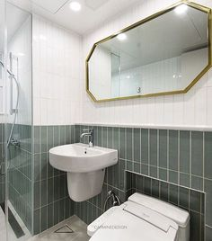 화이트와 카키그레이 투톤컨셉으로 세로타일 시공과 골드프레임 거울로 포인트를 준 청계의왕 침실욕실....#욕실#욕실인테리어#욕실리모델링#인테리어디자인#카민디자인#인테리어디자이너#리모델링#홈#인테리어#아파트인테리어#카민#인테리어스타그램#집#타일#인테리어리모델링#집꾸미기#집#홈인테리어#골드프레임거울#욕실거울#타일#bath#bathroom#interior#interiordesign