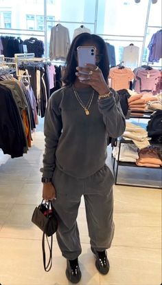 Baddie Outfits Casual, Cute Swag Outfits, Chill Outfits, Cute Comfy Outfits, Dope Outfits, Trendy Outfits, Fashion Outfits, Tomboy Fashion, Look Fashion