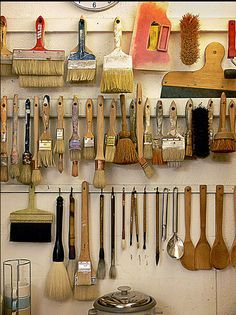 Artist/studio brush storage. this will definitely make sure ur brushes last longer