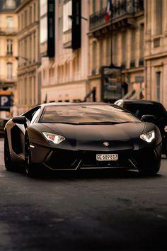 That sleek Aventador...