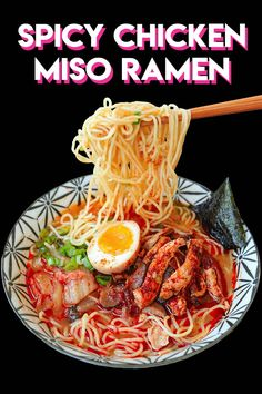 iờ · Dùng cho người · Today I'm sharing EASY but packed with authentic flavors, Spicy Chicken Miso Ramen! I've been sharing a couple of ramen recipes with you guys, but all of them are time consuming, lots of energy and… Khác Ramen Noodle Recipes, Soup Recipes, Cooking Recipes, Veggie Recipes, Chicken Recipes, Comida Ramen, Food Network, Spicy Miso Ramen Recipe, Ramen Broth