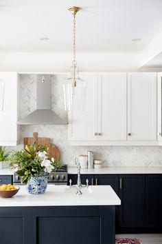 Popular Kitchen Design Ideas For Spring This Year Kitchen Room Design, Home Decor Kitchen, Interior Design Kitchen, Kitchen Living, New Kitchen, Home Kitchens, Home Design, Cuisines Design, Interior Modern