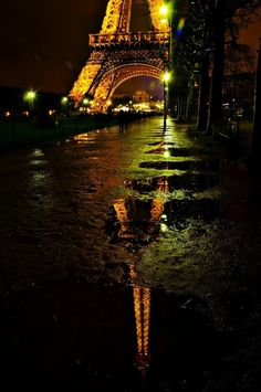 Rainy night in Paris by O.T